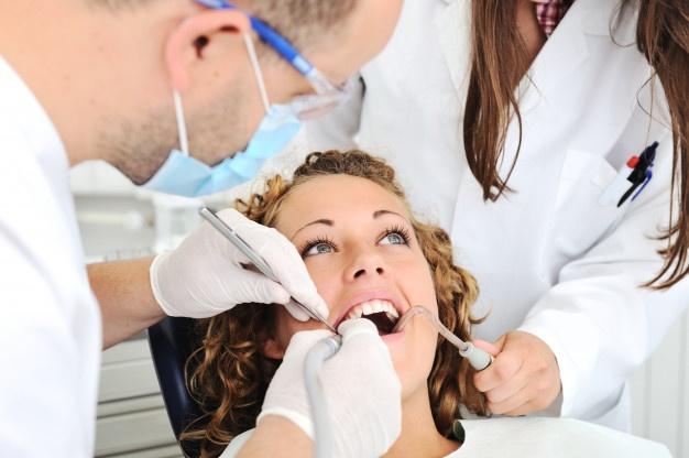 O que um auxiliar de dentista deve ter?